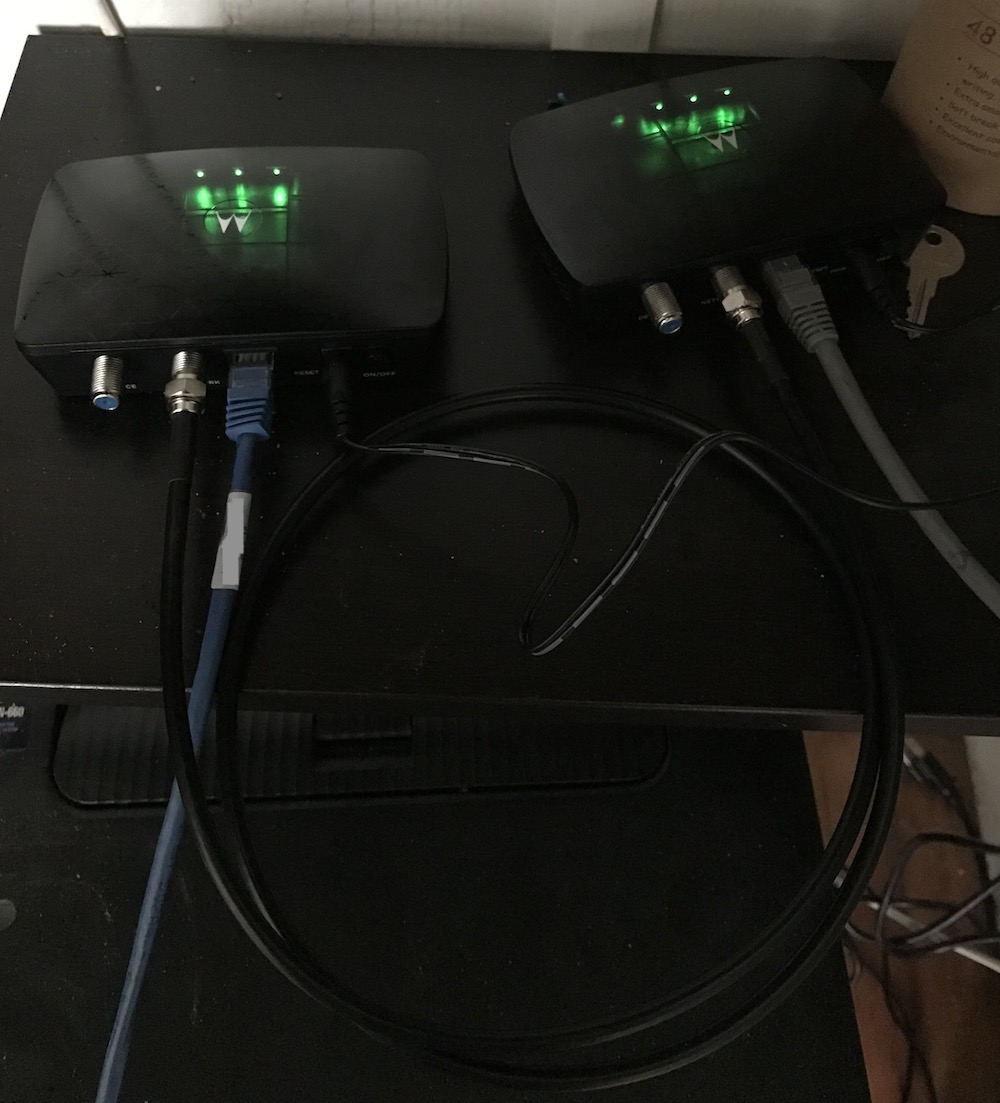 2 Motorola MM1000 MoCA adapters connected directly together